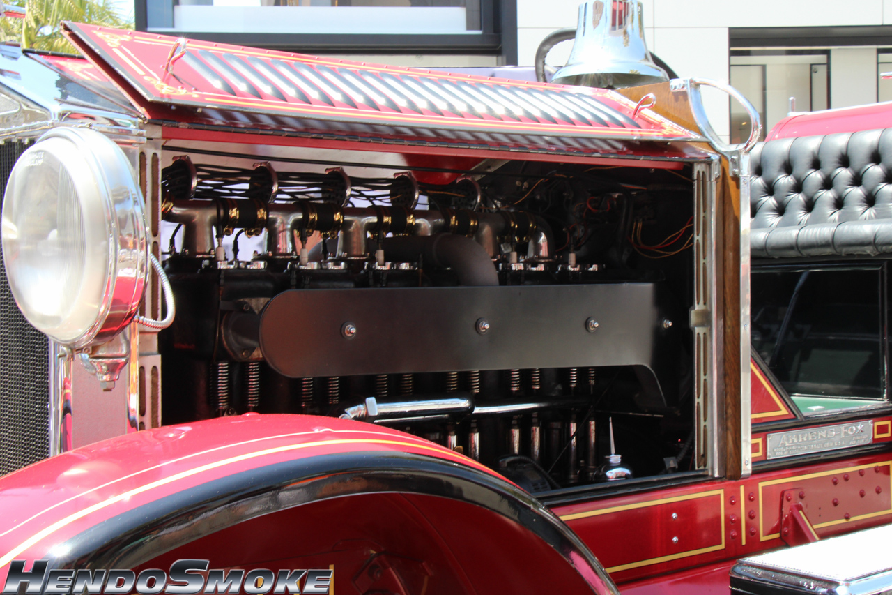 HendoSmoke - 2014 RODEO DRIVE CONCOURS D'ELEGANCE -360