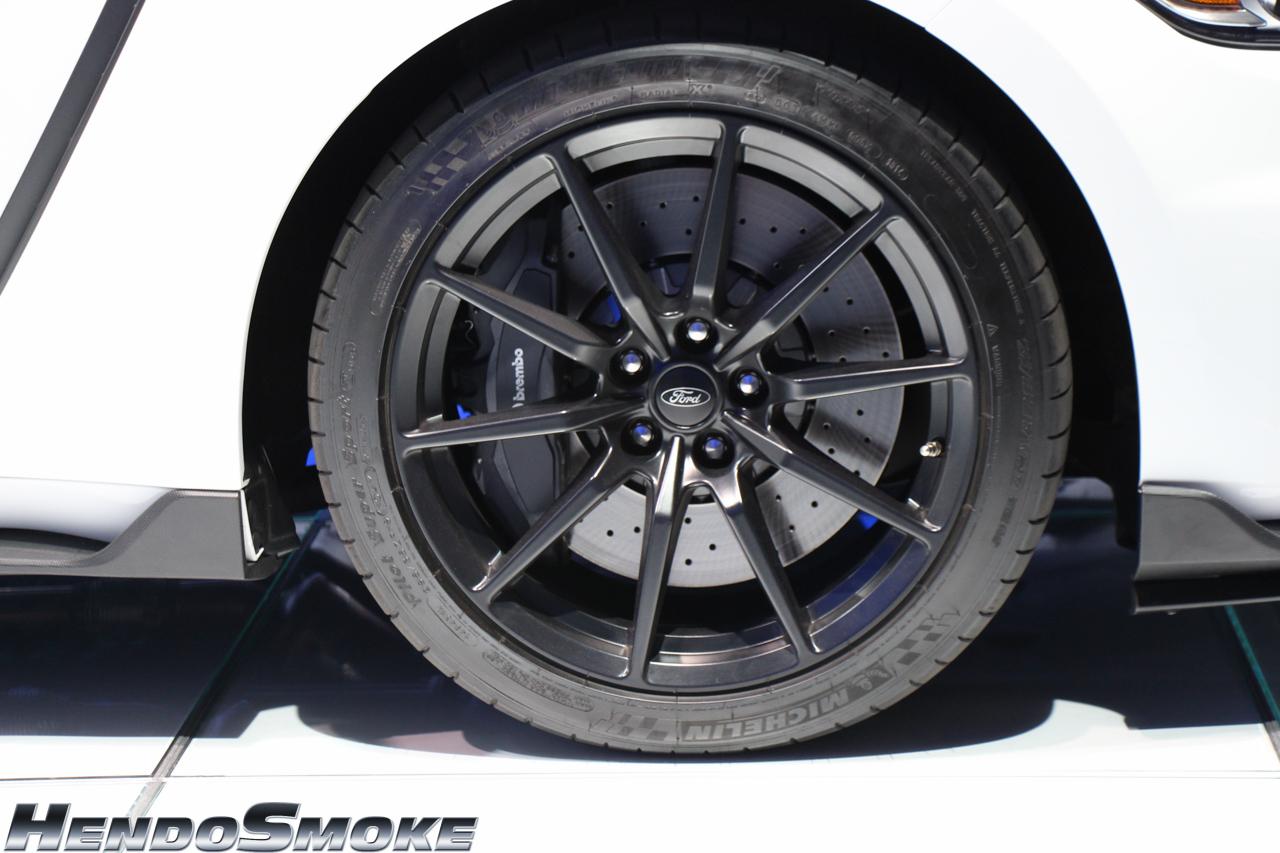 HendoSmoke - 2014 LA Auto Show-153