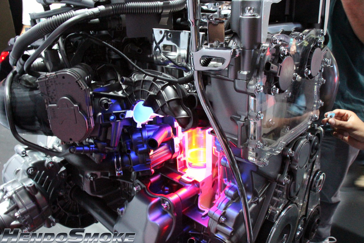 HendoSmoke - 2014 LA Auto Show-850